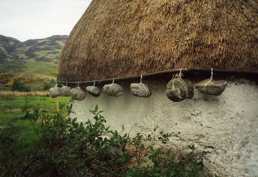 weighted thatch Ardelve