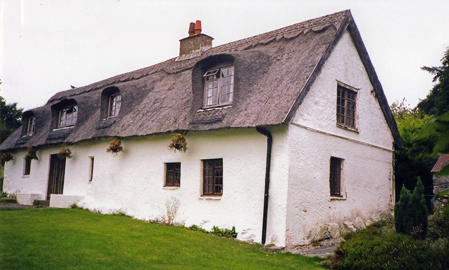 Thatching Straightwork Features | Thatching Info.com