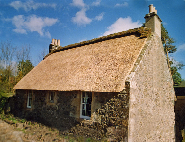 thatch turf ridge fife scotland - Thatched Rood