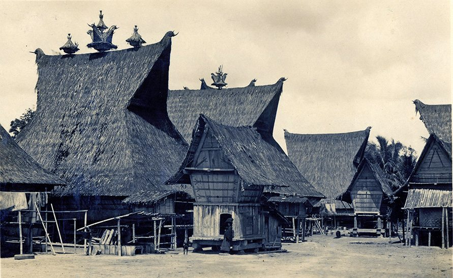 thatching java