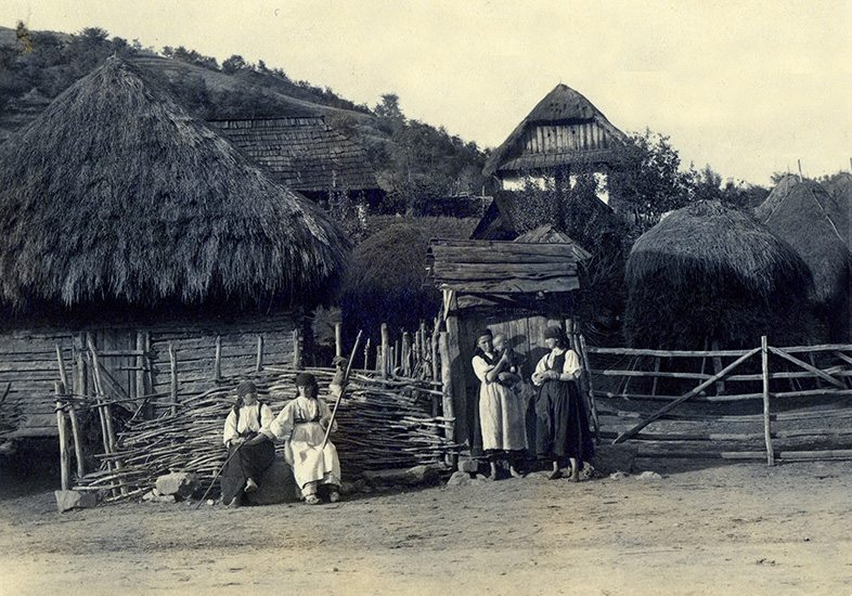 thatch romania
