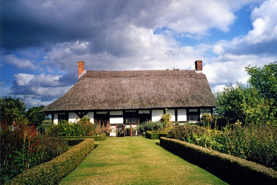 thatch izaak walton staffordshire