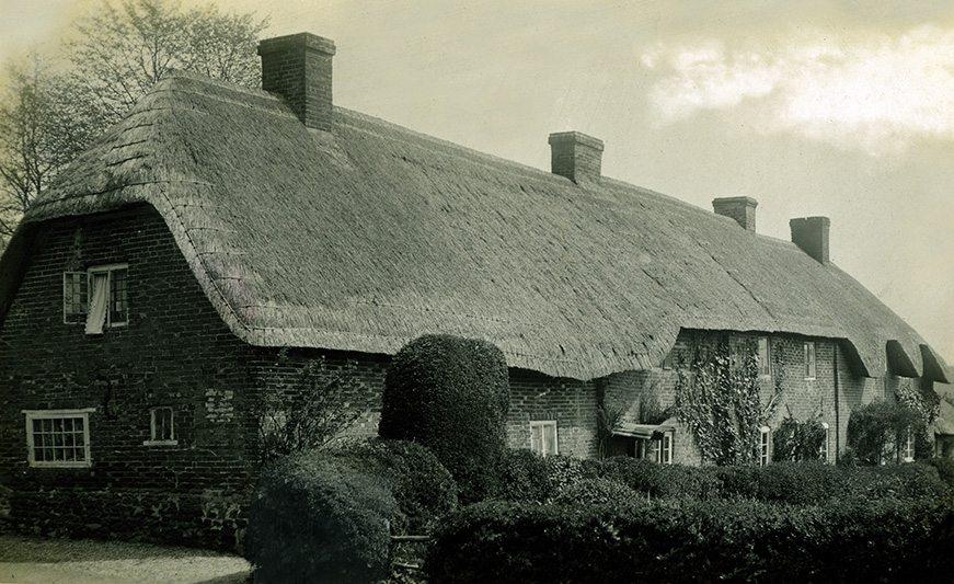 thatch wiltshire england