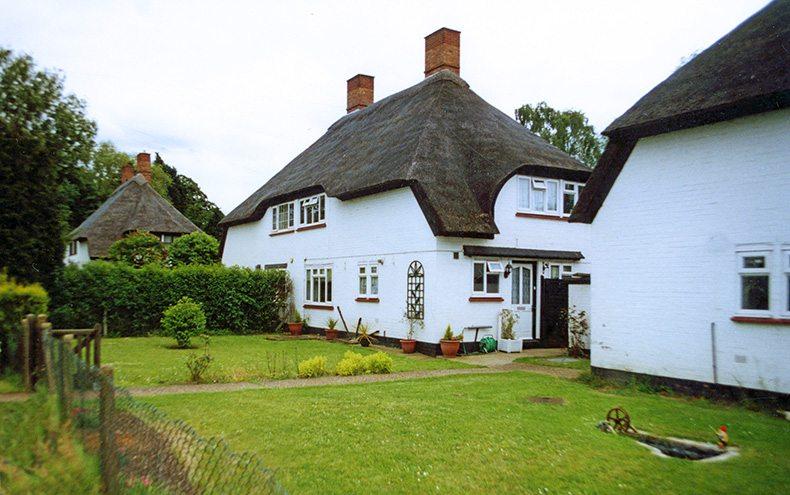 thatch huntingdon england