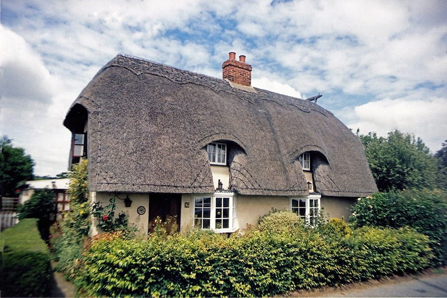 thatching suffolk england