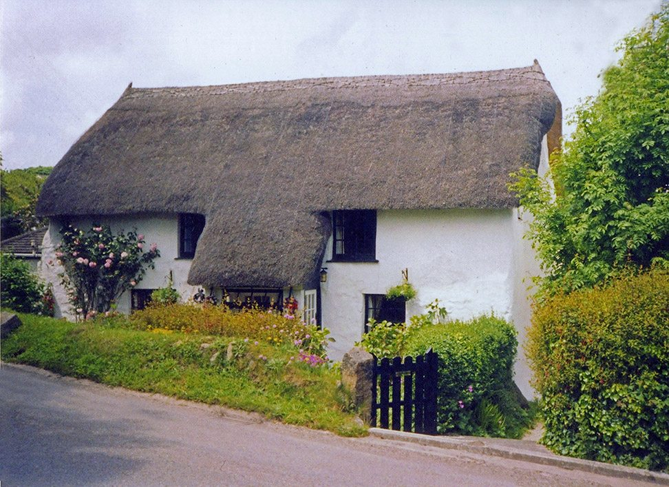 thatching cornwall england